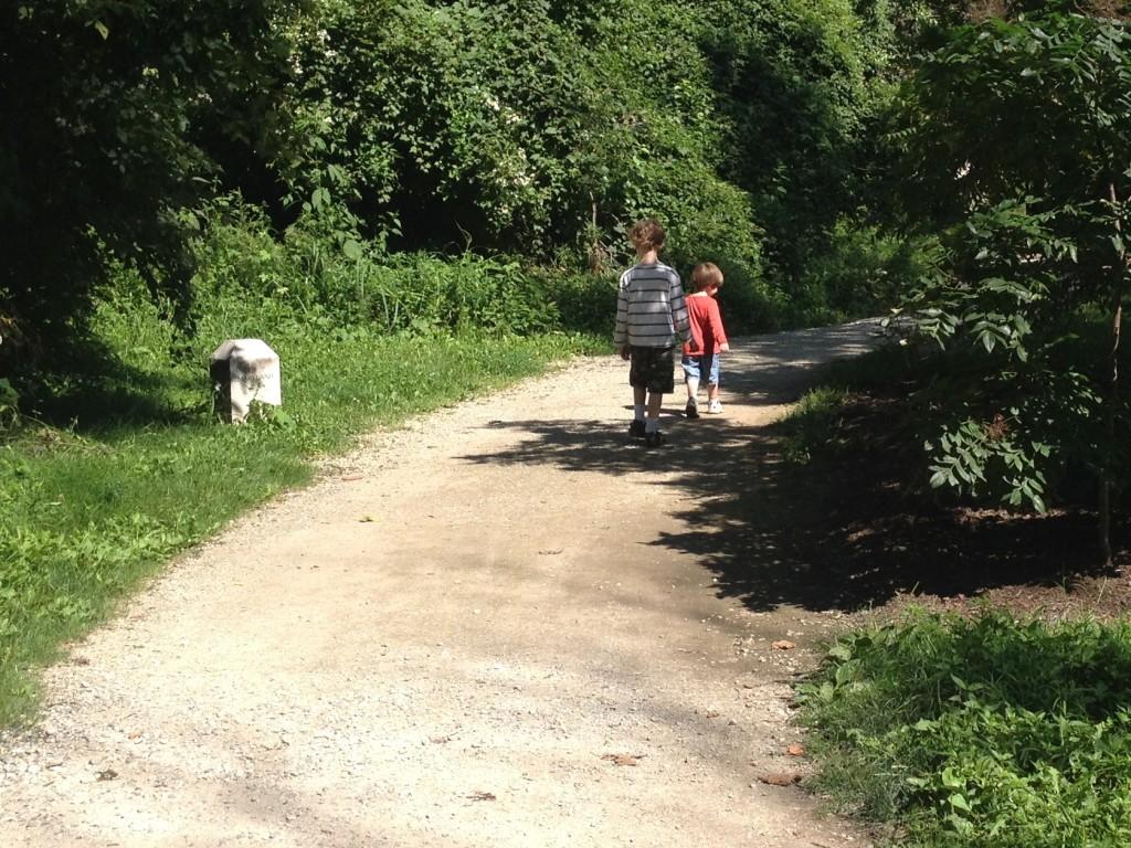Kids trail hike at Jones Point Park The Joy Troupe NOVA Family trail guide